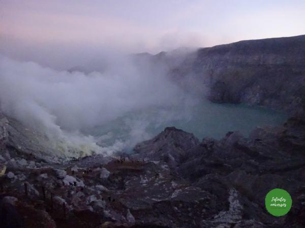 Excursión al volcán Ijen y su famosa lava azul (Isla de Java, Indonesia)
