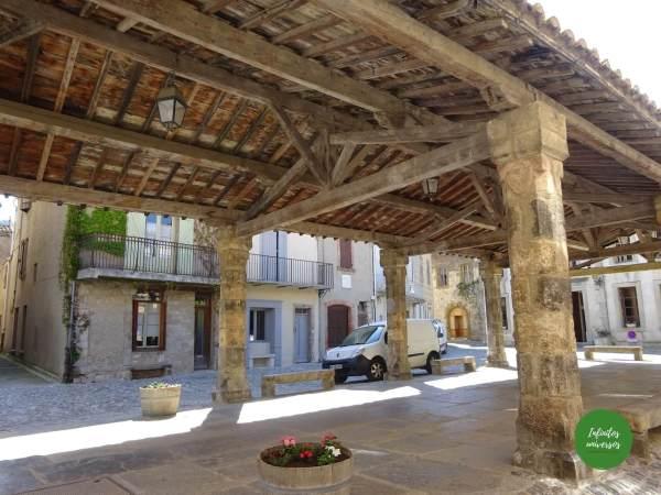 Plaza de Lagrasse Qué ver en Lagrasse