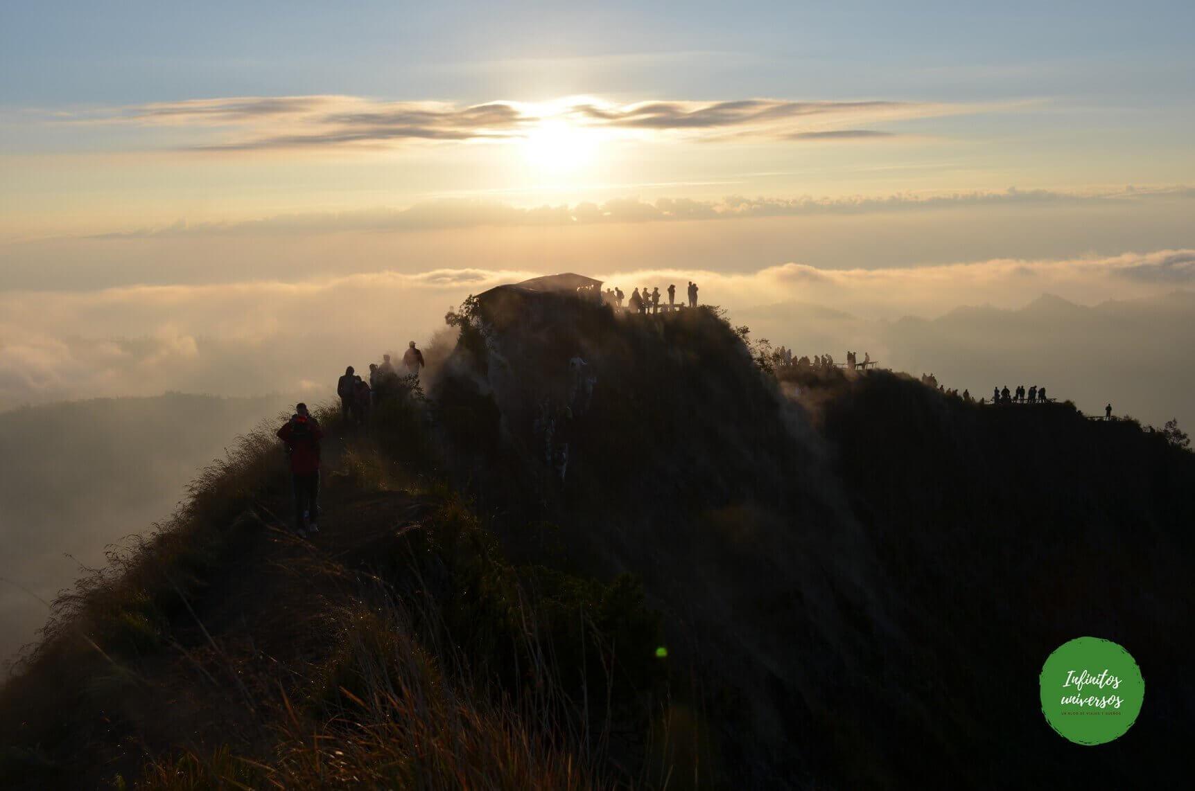 Amanecer en Monte Batur - Qué ver en Bali (Indonesia) cascada kanto lampo