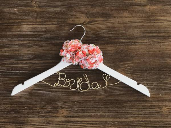 White Bride Hanger with 2 Floral Pattern Flowers and Gold Wire