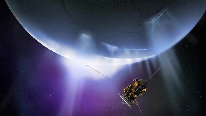 """NASA finds evidence of """"extraterrestrial life"""" in Enceladus, moon of Saturn"""