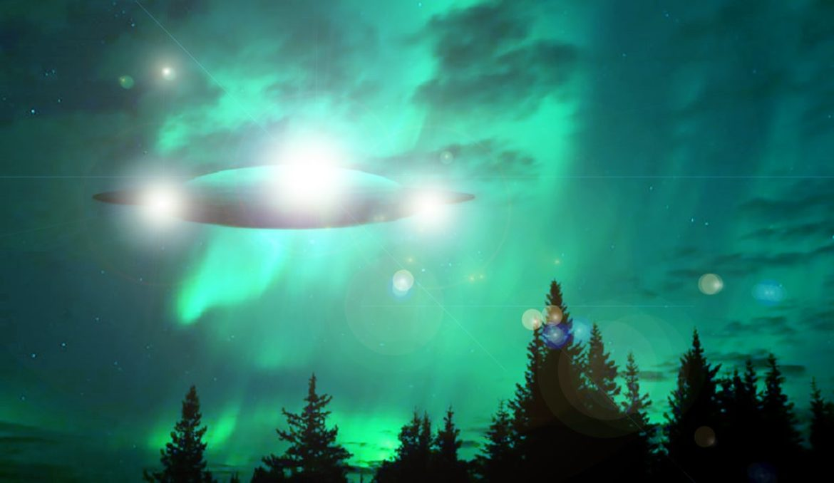 The First UFO sighting of 2018 (footage) : Is the Contact Approaching?