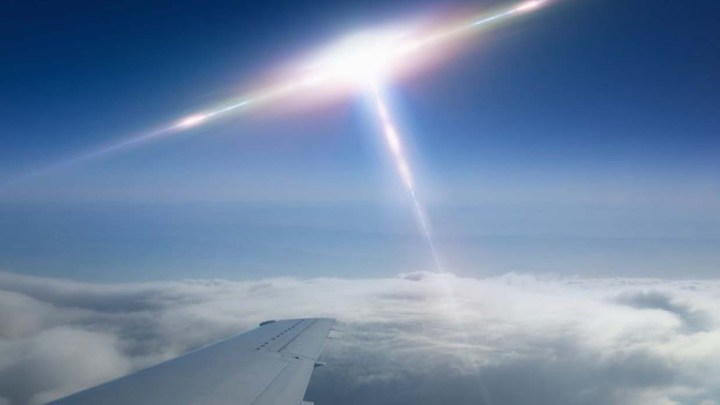 Ireland UFO sighting : multiple UFO sightings by three commercial pilots