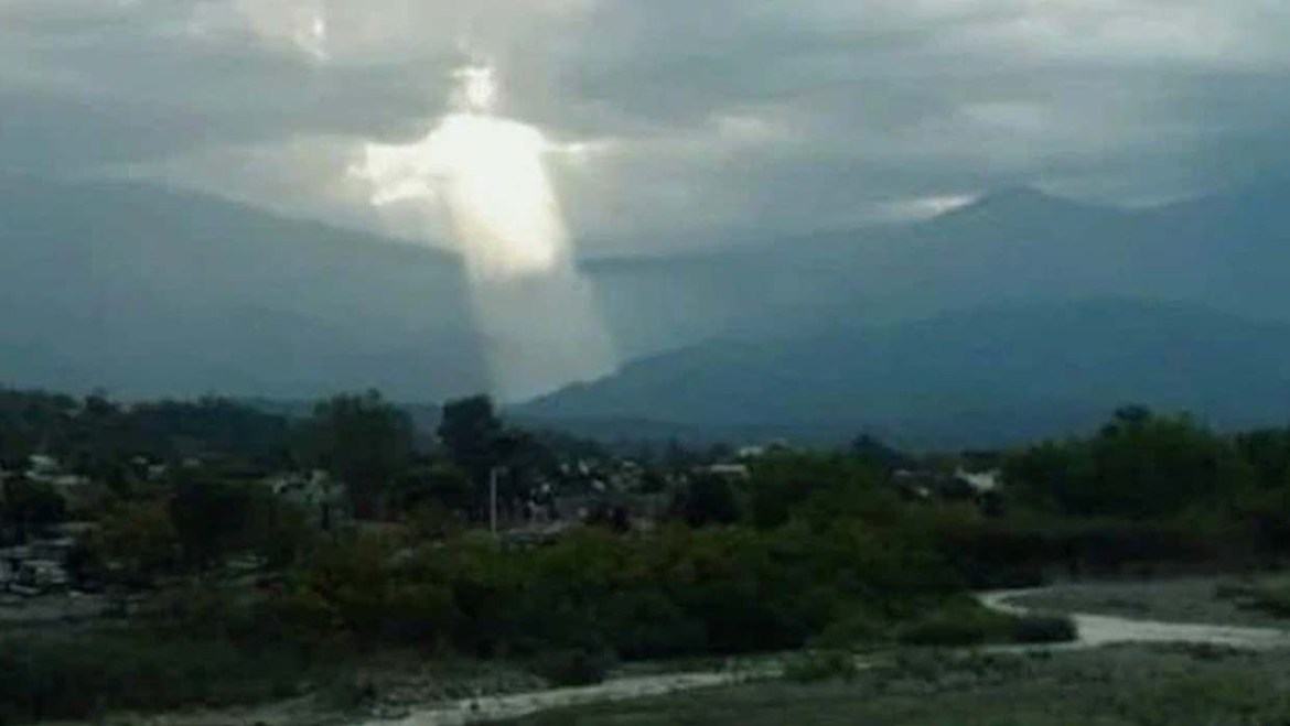 The appearance of a Jesus like figure in sky causes panic in Argentina