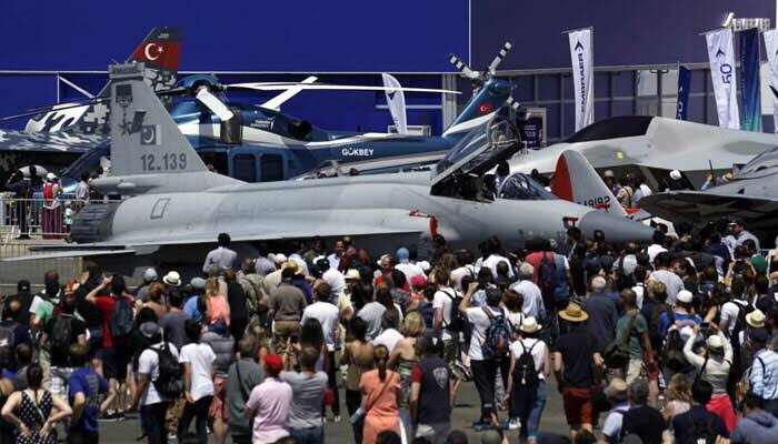 JF-17 Thunder becomes the star attraction at Paris Air Show