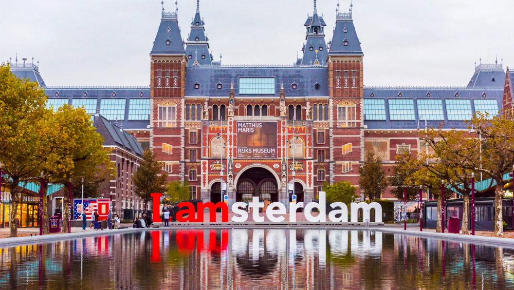 Tourist can now 'marry' a local for a day in Amsterdam