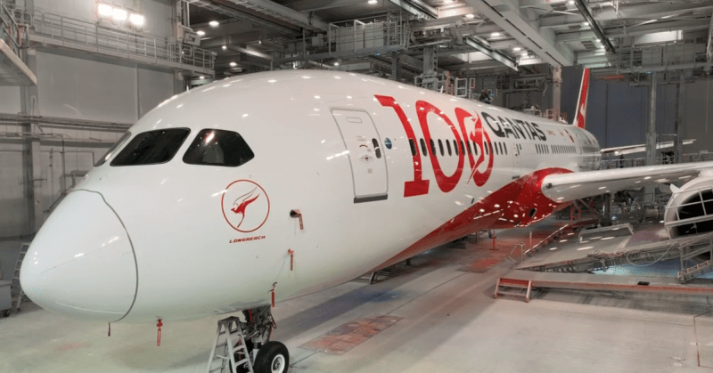 Qantas 787 in 100th anniversary livery