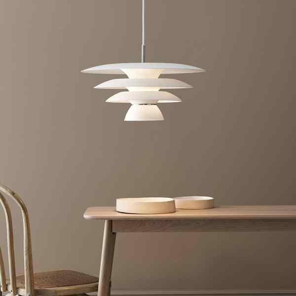 Suspension en métal Da Vinci design scandinave minimaliste et graphique belid