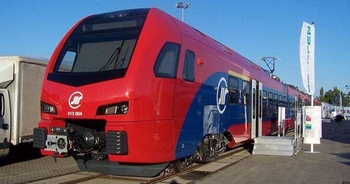 Швейцарский поезд в Сербии