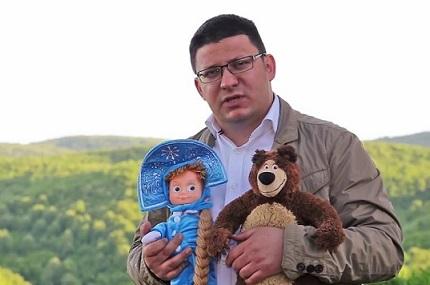 Агитация Маши и Медведя на парламентских выборах в Сербии