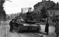 Подбитая немецкая САУ StuG III на Бульваре Освобождения в Белграде