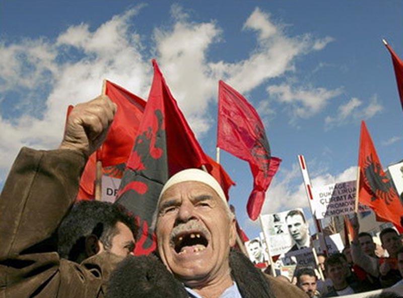 Албанцы штурмуют Евросоюз, используя подложные документы