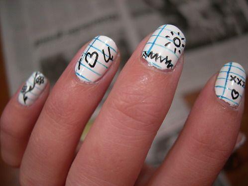 Ногти с белым дизайном