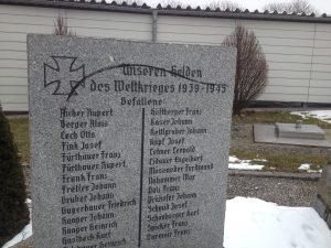 Kriegerdenkmal in Aistersheim