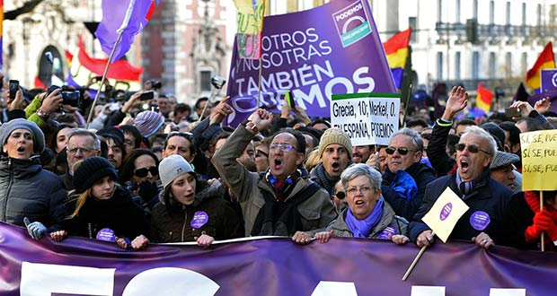 Podemos-marching
