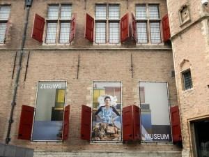 Drei Werbeplakate für das Zeeuws Museum Abtei Middelburg