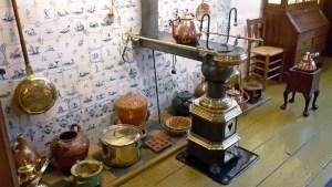 Küchengeschirr in der Ausstellung Museum Veere Schotse Huizen