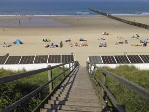 Strand von Domburg mit Dünentreppe