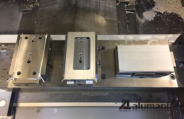 XZ3用の加工冶具