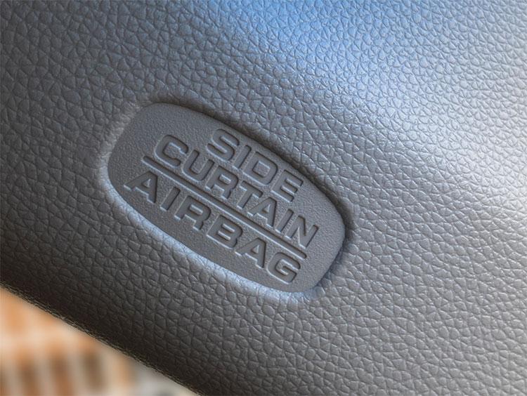 サイドエアバッグカーテン装着車のロゴマーク