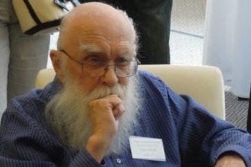 James Randi vPraze na snídani skeptiků