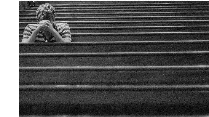 """Více než polovina Britů se modlí – imnozí """"nevěřící"""""""