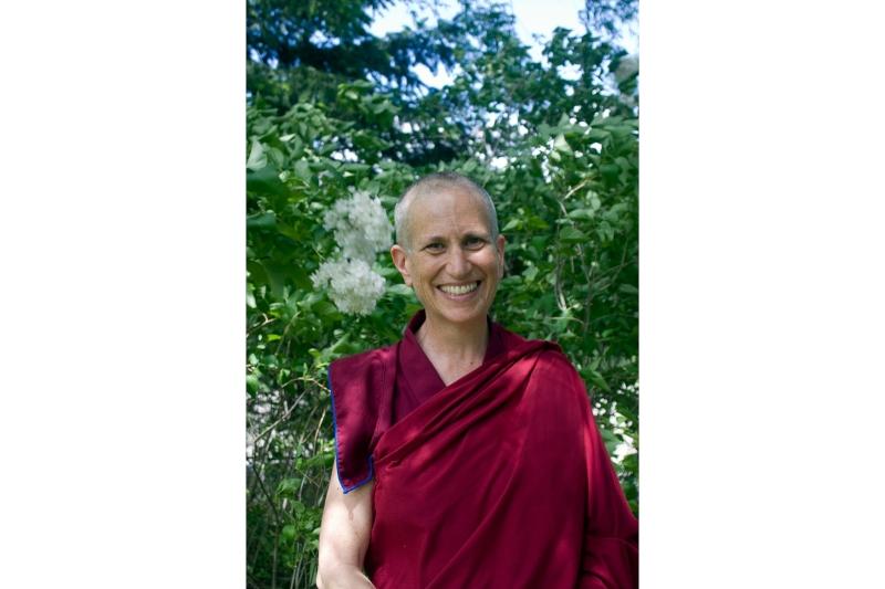 """""""Bdělým stravováním kprobuzení."""" Buddhistická mniška vyučuje jak správně jíst"""