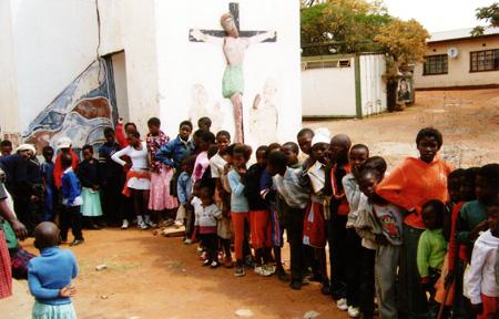 Speisung von Waisenkindern und verarmten Kindern, Limpopo Provinz, Südafrika