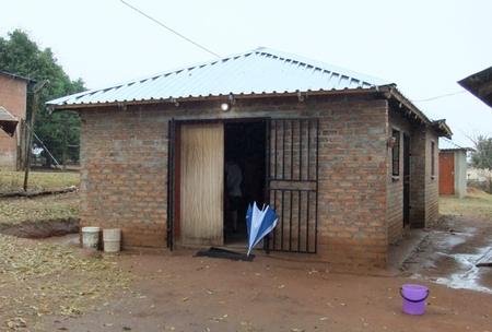 Mithilfe von deutschen Spenden erbaute Vorschule