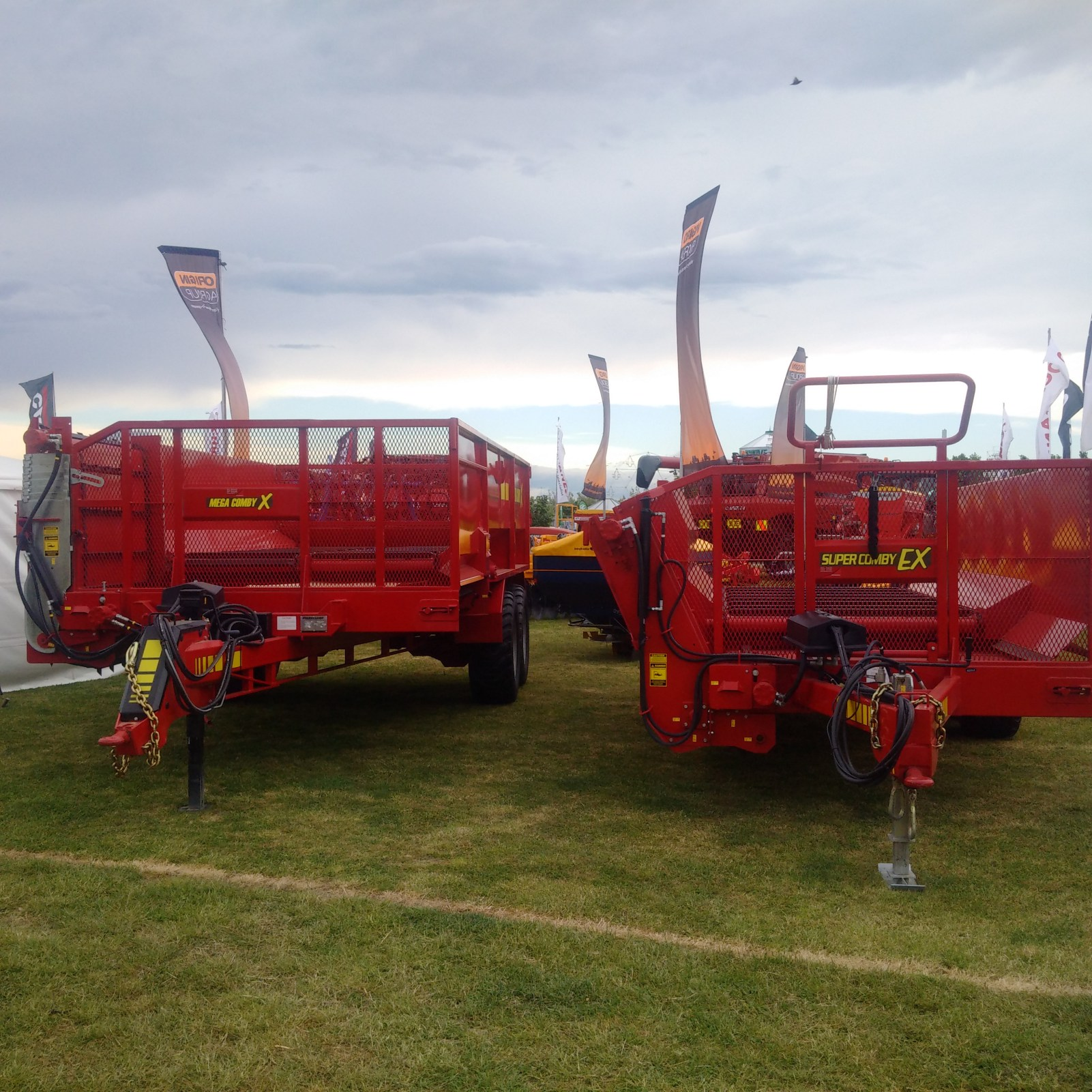 Robertson branded wagons at the Christchurch show!.jpg