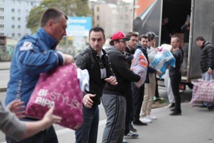 Volonteri u Beču šalju pomoć