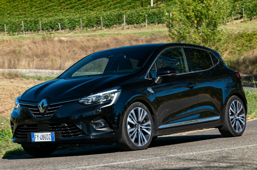 The Initiale Paris finish comes to the Renault Clio for the first time in Spain
