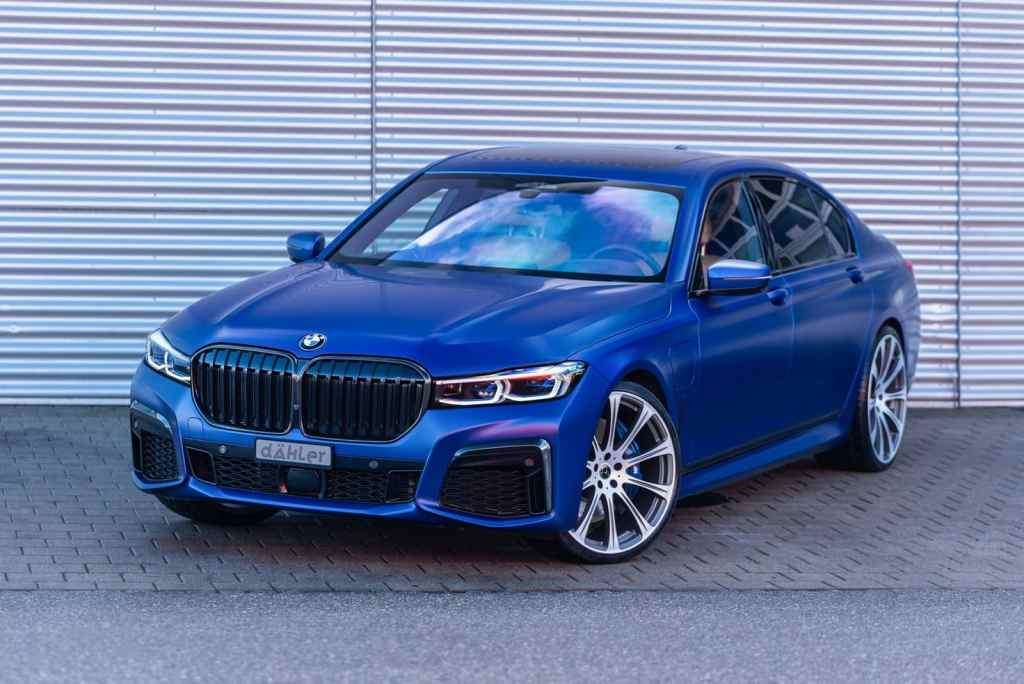 This BMW 745Le xDrive laughs at the very same BMW M3 Competition 2021
