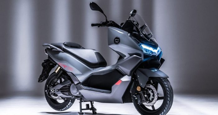 Super Soco CT, an electric maxi scooter with 180 kilometers of range   Motorcycles
