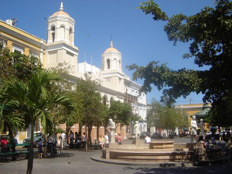 Plaza_de_Armas,_San_Juan,_Puerto_Rico