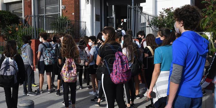 confirmaron otros 18 casos en el colegio ort de belgrano que ya suma 61 contagios