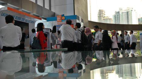 Agus Marto: SDM Berkualitas Jadi Jurus Robby Djohan Kelola Bank