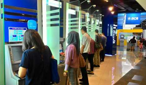 BCA Siap Ganti Biaya Transaksi Akibat Gangguan ATM