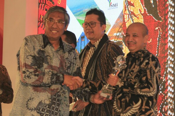 BNI Sabet Annual Report Award Kategori BUMN Keuangan Listed