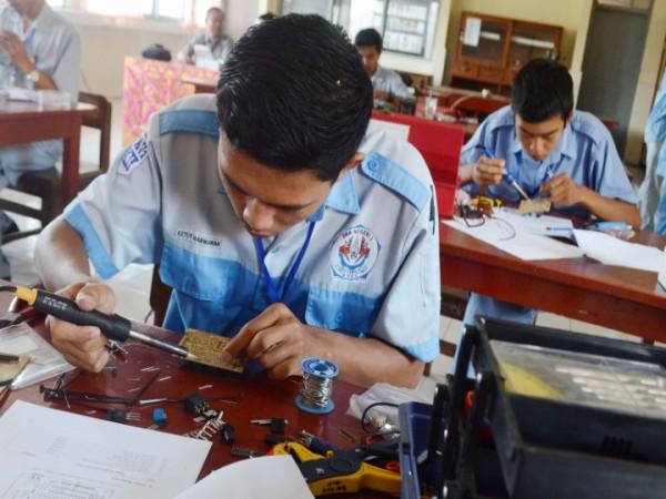 Kemenaker: Kurikulum Penyebab Pengangguran Lulusan SMK Tinggi