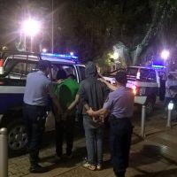 Dos policías fueron asaltados y maniatados en su casa de Villa Kindgreen