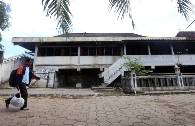 Bangunan Mangkrak