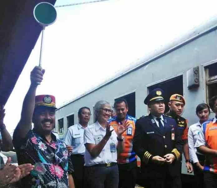 Walikota dalam Peresmian Penambahan 3 Kereta Api