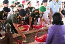 Panglima TNI Nyekar di Makam Bung Karno