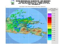 Waspadai Hujan Intensitas Sedang-Lebat disertai Petir dan Angin Kencang