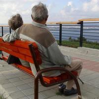 Пълни таблици с новите условия за пенсиониране, необходимия трудов стаж до 2037 година и за различните категории труд