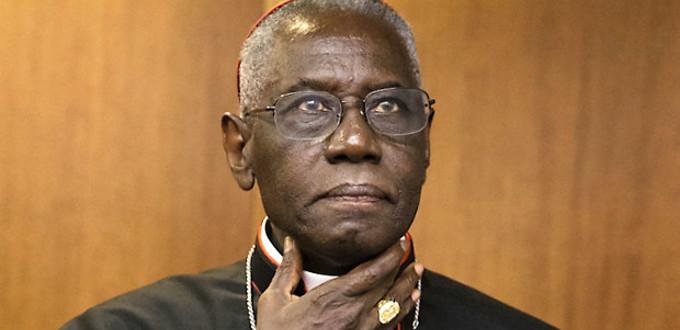Cardenal Sarah: la secularización llega a la Iglesia cuando se reduce la fe a la mentalidad del hombre moderno