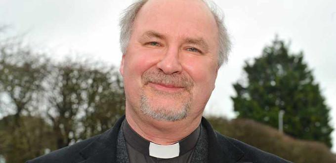 Un ex-capellán de la Reina de Inglaterra amenaza con un cisma inmediato en el anglicanismo