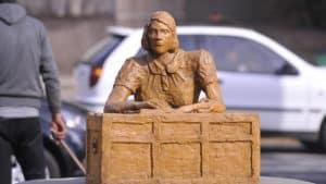 """El """"Ecce Homo"""" cordobés, asi fue denominada la estatua de Ana Frank en su primera restauración"""