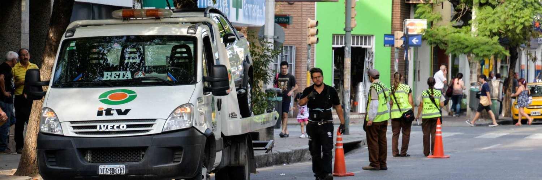 Control de ITV de la Municipalidad de Córdoba con agentes de la Policía de Tránsito Municipal.